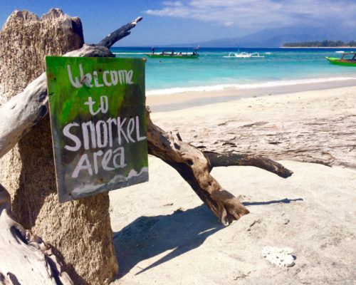 beach-snorkel-area-gili-trawangan-lombok-indonesia